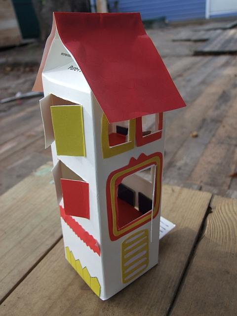 Как сделать домик из коробки сока своими руками 67